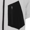 特徴的な胸のポケット